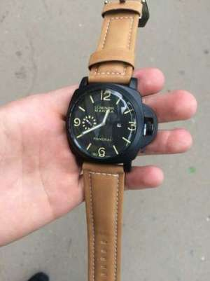 Фото: Часы Panerai Luminor GMT