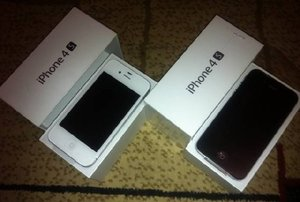 Продажа: - Apple iphone 4S 64gb Unlocked/Samsung Galaxy SIII