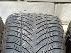 Goodyear Eagle UltraGrip 205/55/16 -